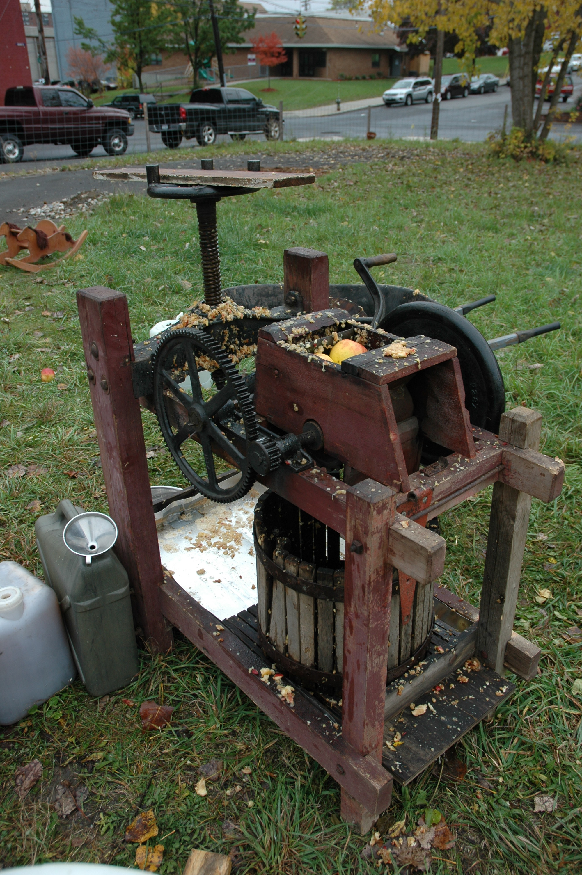 Cider Press For Sale >> Making Apple Cider The Radix Ecological Sustainability Center